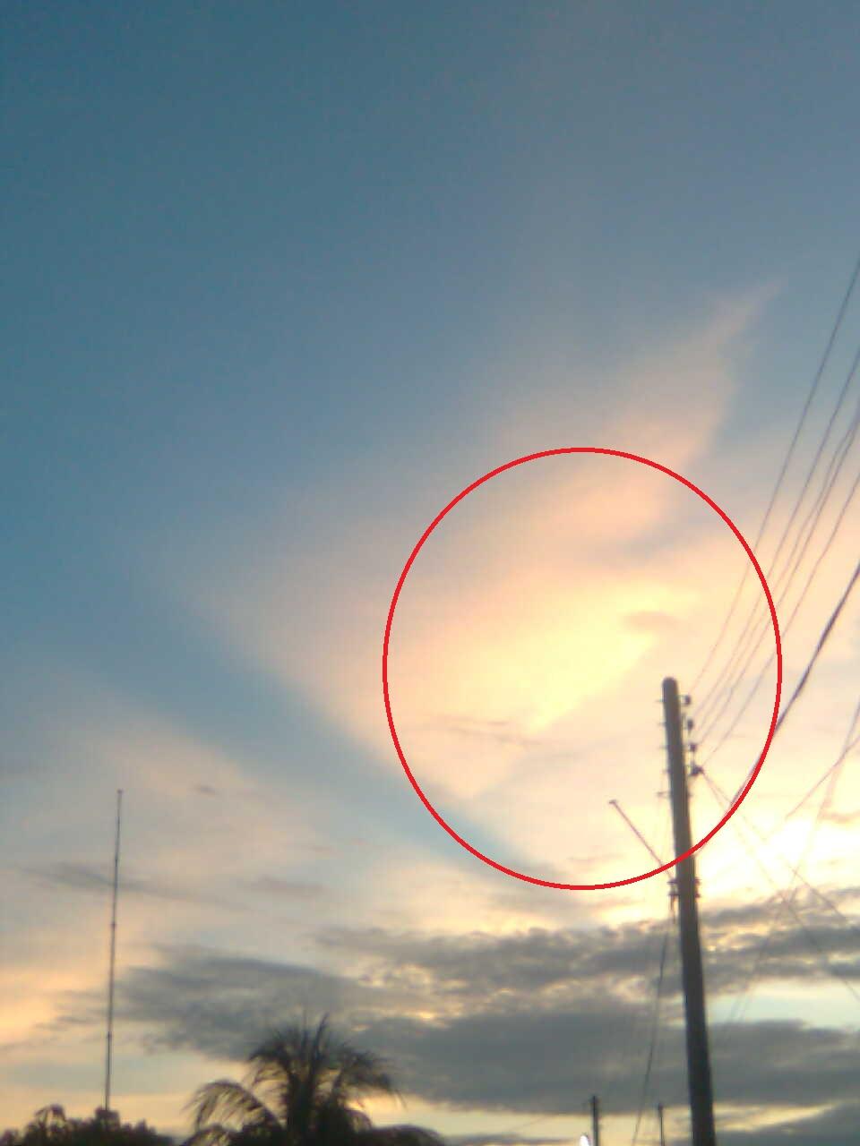 Gambar Aneh Di Langit Baru Baru Ini Yang Menghebohkan Gambar