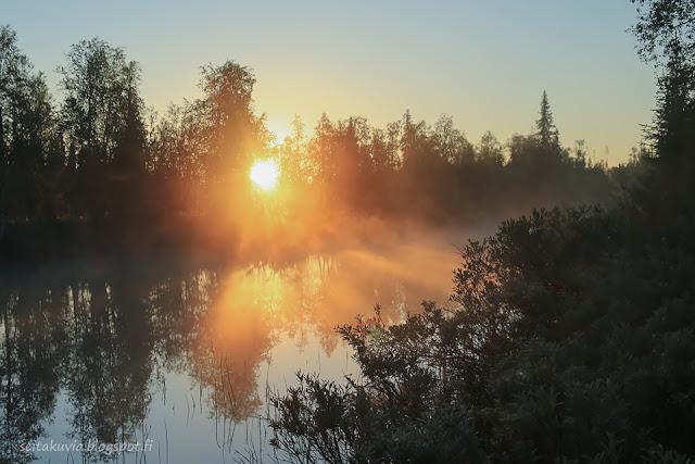 auringonnousu Naruskajoella