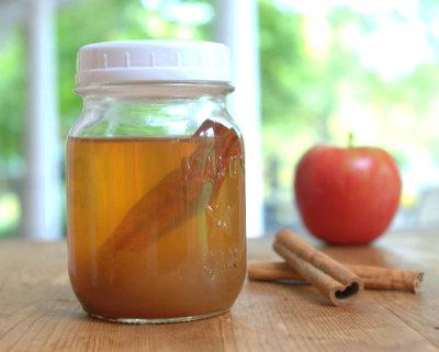 Apple Cider Vinaigrette, another healthy no-oil salad dressing ♥ AVeggieVenture.com.