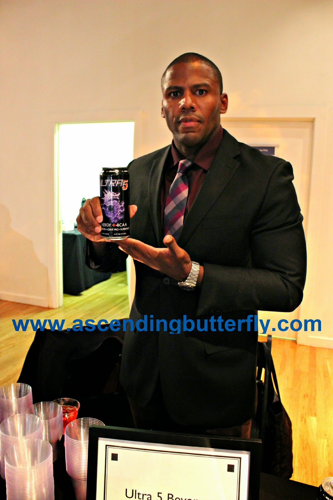 Ultra 5 Beverage The Luxury Review Fall 2014, Energy Drink