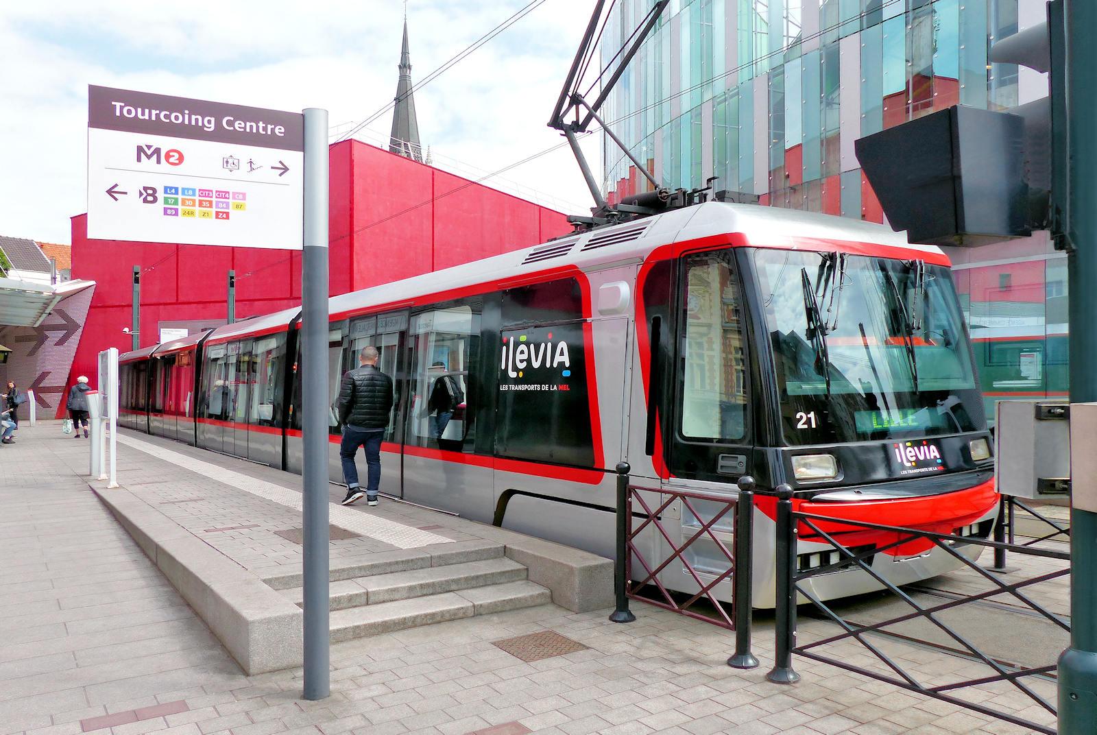 "Tramway ""Tourcoing Centre"" - Tourcoing, rue Fidèle Lehoucq"