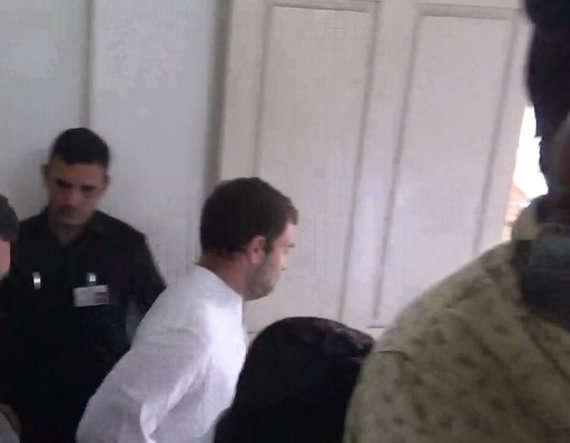 राहुल गांधी घुस गए लेडीज टॉयलेट में जिसे देख दंग रह गये सब ! देखिये क्या हुआ !