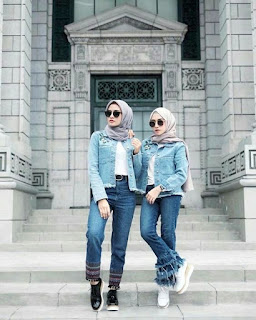 Model celana jeans wanita ketiga
