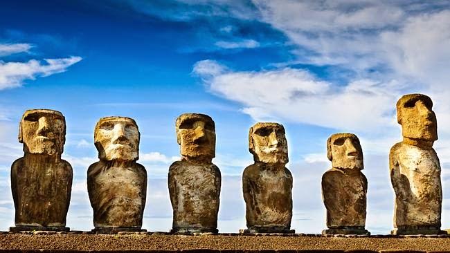Misteri Patung-patung Raksasa Buatan Alien di Pulau Paskah