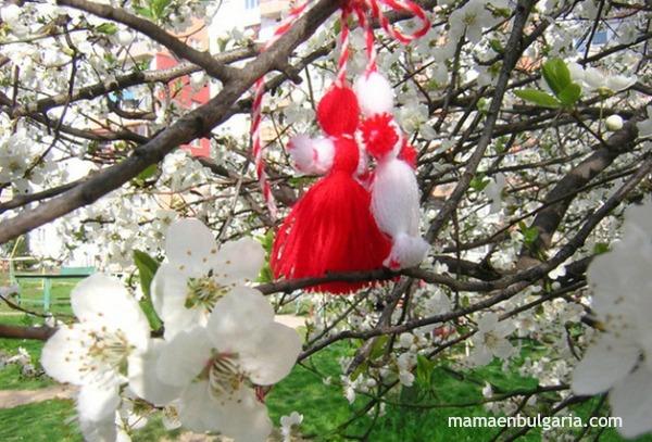 Martenitsa Pizho y Penda árbol florido