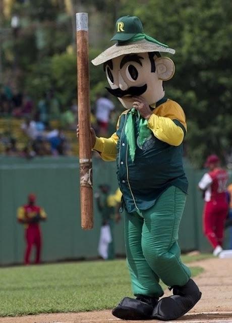"""""""El Veguero"""", mascota oficial del equipo pinareño de béisbol."""