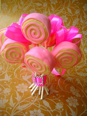 Lollipop cake pops pink and yellow