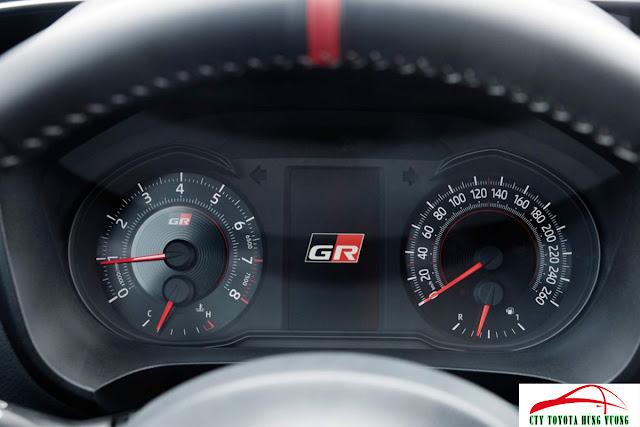 Giá bán, thông số kỹ thuật và đánh giá chi tiết Toyota Yaris 2018 - ảnh 11