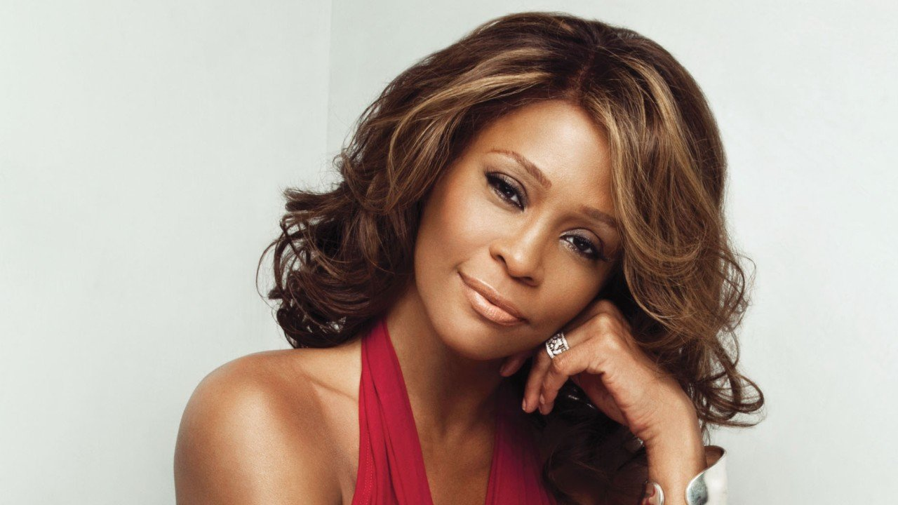 Se revela que Whitney Houston era bisexual