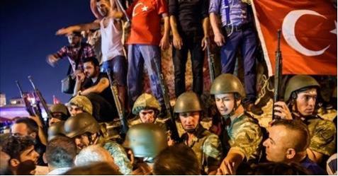البرلمان التركي يعلن يوم الانقلاب الفاشل عيدا للديمقراطية والحرية
