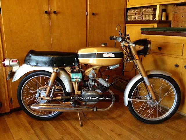 Xe cổ Harley Davidson Aermacchi M65 Sport 1970