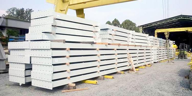 Склад готовой продукции завода металлоконструкций