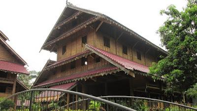 Gambar Desain Rumah Adat Sulawesi Tenggara