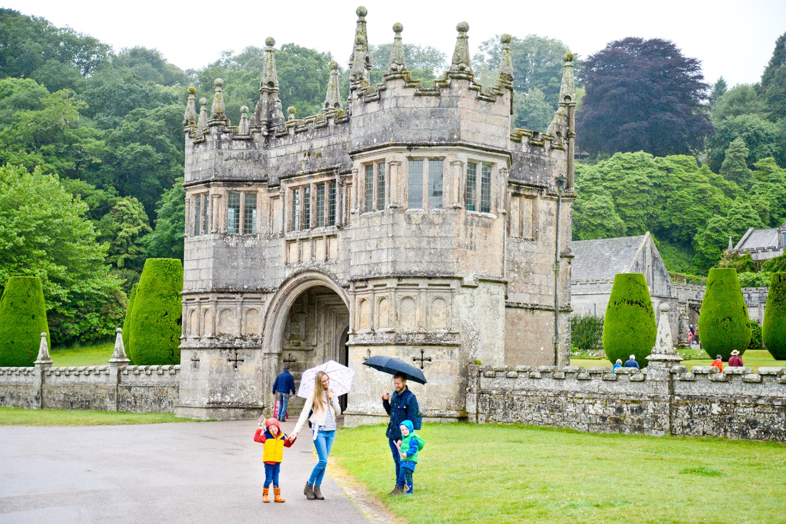 lanhydrock, lanhydrock cornwall, uk family holidays with kids, cornwall days out with the kids, family travel uk,