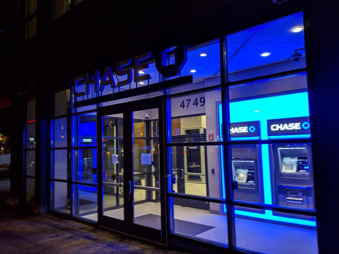 chase branch open on sunday nyc