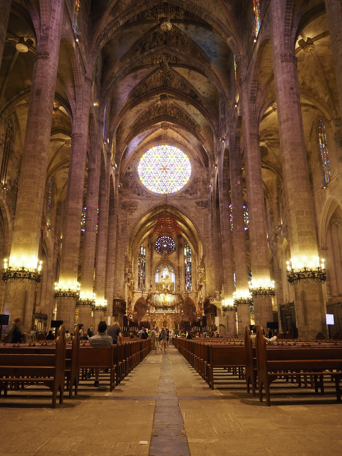 palma de mallroca cathedral from inside