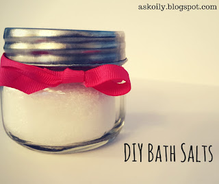 homemade DIY basic bath salts with essential oils recipe | Hot Pink Crunch