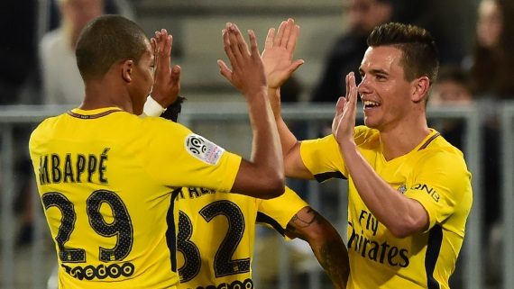 Kylian Mbappe and  Giovani Lo Celso  celebrating
