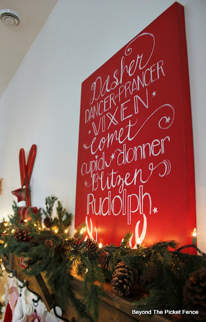 Christmas sign reindeer names, Fusion Mineral Paint, hand lettered, https://goo.gl/xpejCP