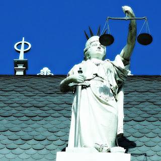 A Justiça no Palacio de Justicia, La Plata, Argentina