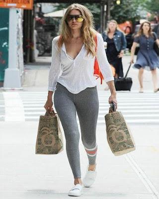 outfit casual con leggins gris tumblr