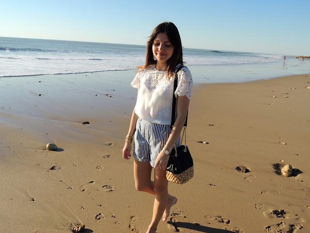 short rayures rayé blouse blanc dentelle sac zara hipanema mango bershka montre marc jacobs manchette