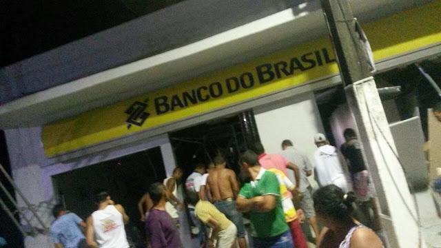 Novamente: Bandidos explodem agência do Banco do Brasil de Condado na madrugada desta sexta-feira (12)