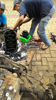 Biaya turun mesin Chevrolet Captiva Diesel karena terlalu banyak minum bio solar. Turbo bisa rusak mang bro.