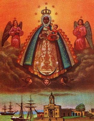Imagen de la Virgen sobre su santuario en el pueblo de Regla