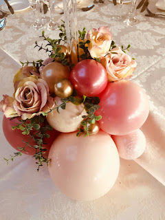 Balloon and Flower Centrepiece by Sue Bowler CBA