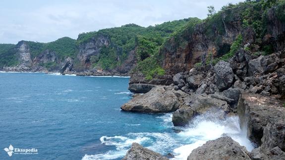 Keindahan Pantai Selatan | Pantai Tanjung Kesirat
