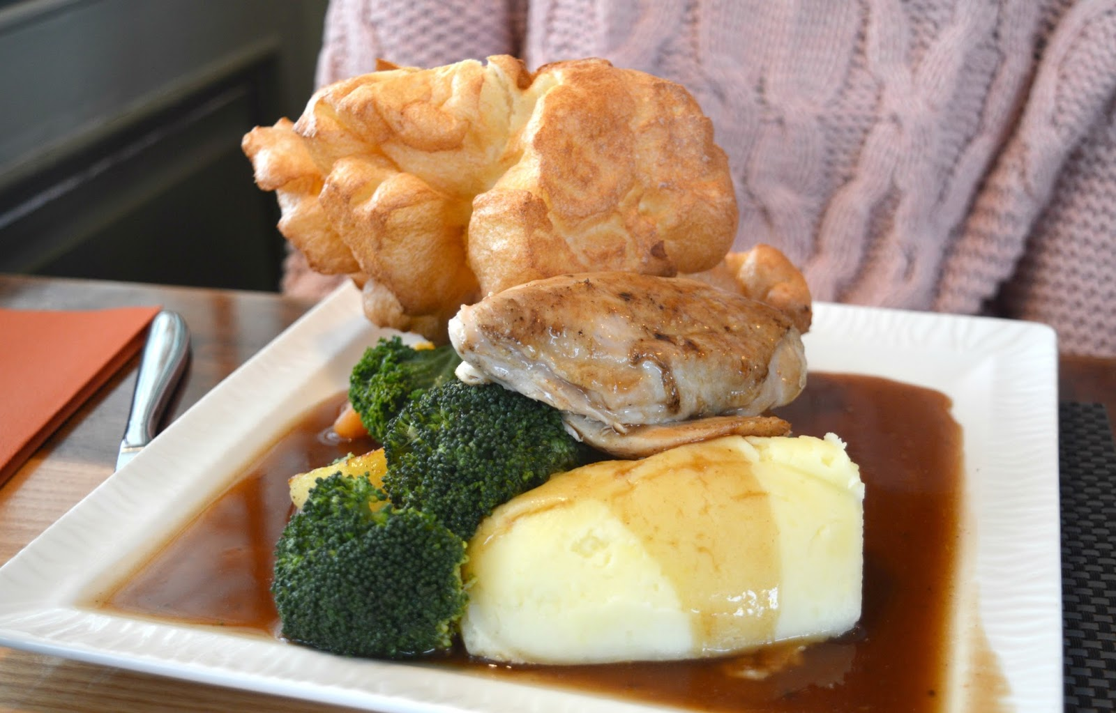 Sunday Lunch at Earl of Pitt Street  - Chicken