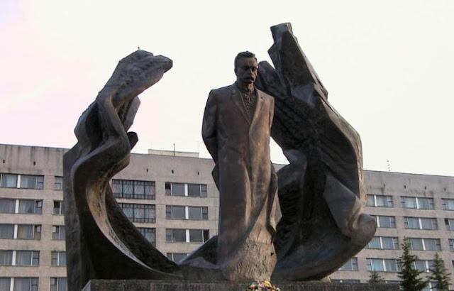 statue-of-ivano