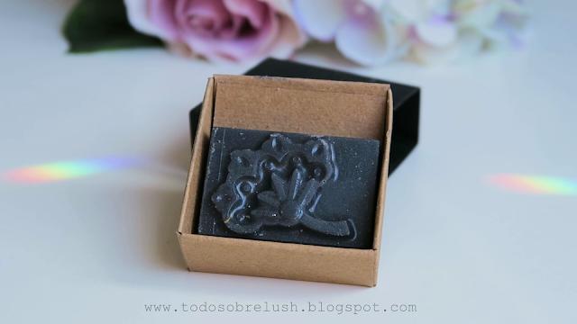 black rose exofliante labial lush
