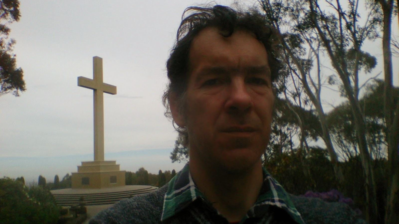 Macedon Memorial Cross Selfie