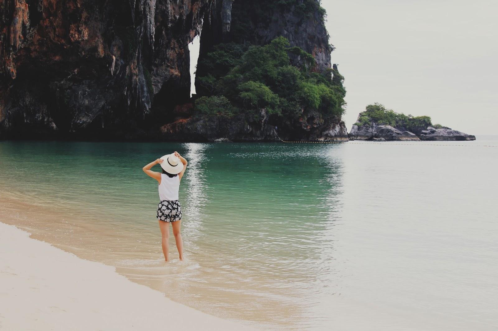 Plaża, dziewczyna