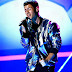 "Nick Jonas faz performance de ""Jealous"" no Billboard Music Awards 2015"