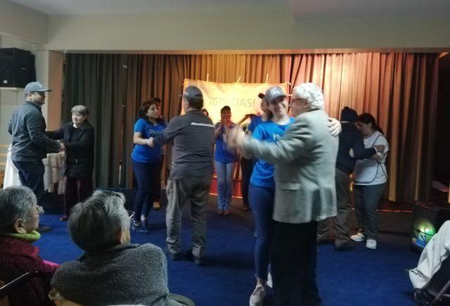 Jornada solidaria en el Hogar de Ancianos Santa María