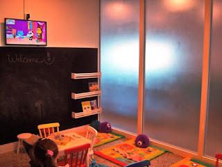 Espaço para crianças brincarem no Lounge Azul
