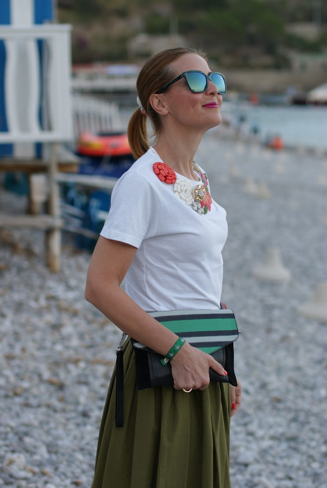 T-shirt con applicazioni gioiello su Fashion and Cookies fashion blog, fashion blogger style