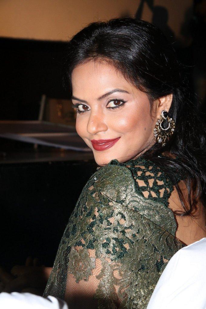 Hindi Actress Neetu Chandra Hot Green Saree Photos