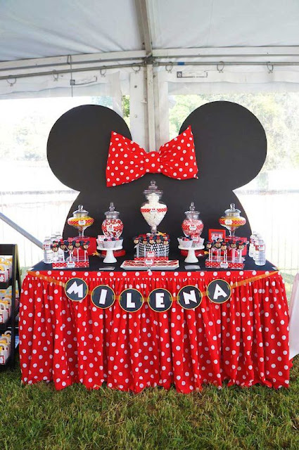 idei de decoratiuni Petreceri care spun Povesti: Mickey si Minnie Mouse