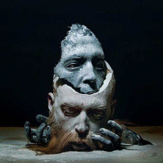 Sarah Sitkin esculturas macabras seres humanos deformados sombrias bizarras surreais pesadelos terror