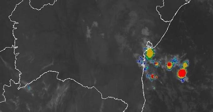 Previsão para aponta risco de alagamentos e deslizamentos em Salvador