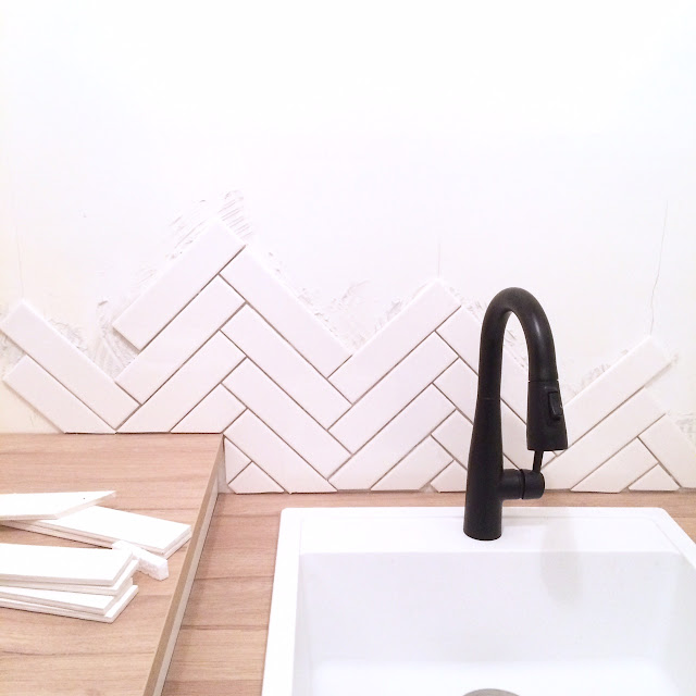 how-to-herringbone-tile-backsplash-harlow-and-thistle-7