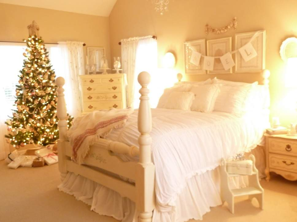 2012 Christmas Bedroom Decorating Ideas