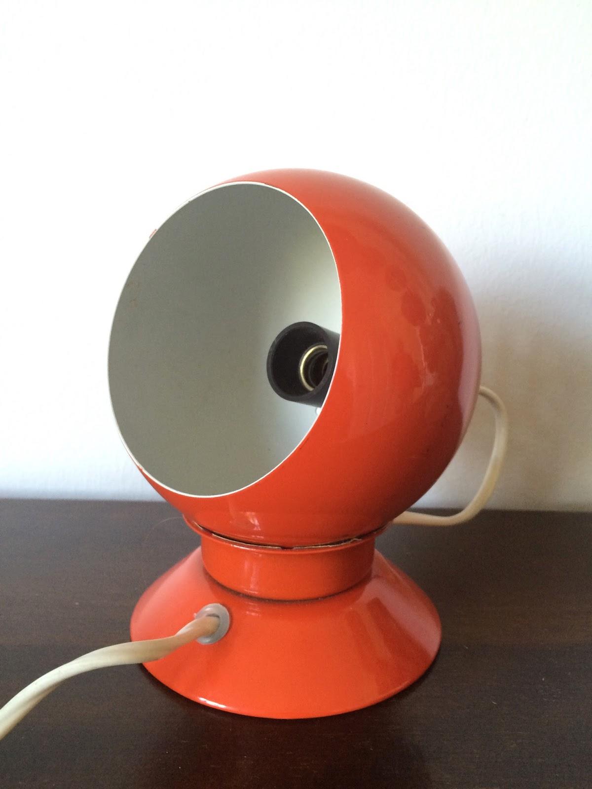 retro furniture orange kugle magnet lampe. Black Bedroom Furniture Sets. Home Design Ideas