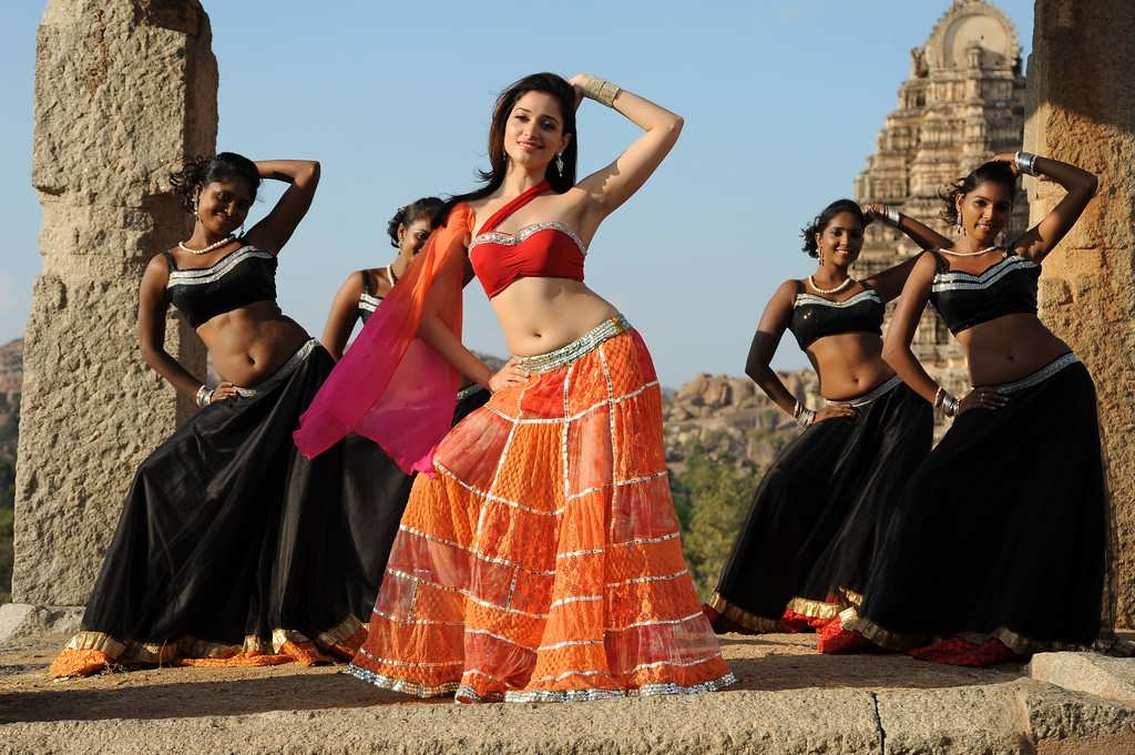 Tamanna In Tadakha Halfsaree: Tamanna Latest Sexy Stills In Saree From Tadakha Movie