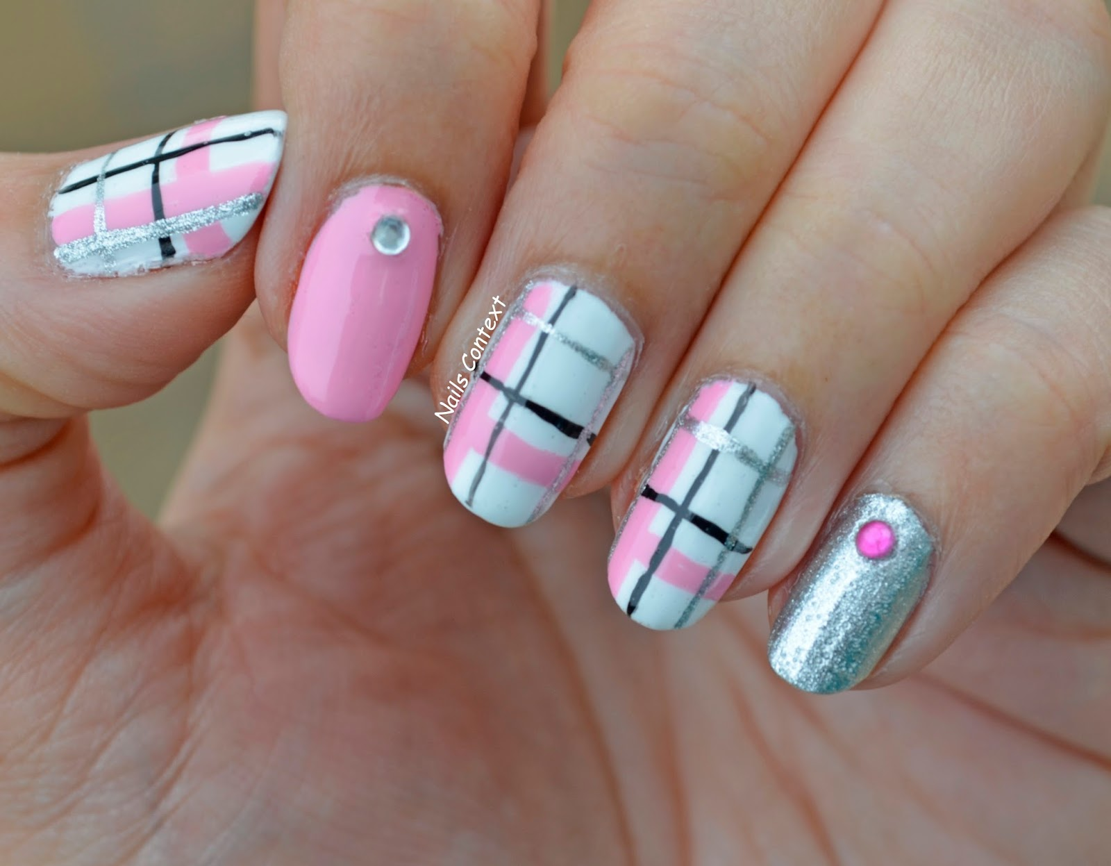 Nails Context: Pink Plaid