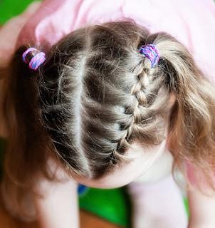 45 Gaya Rambut Terbaru Untuk Gadis Kecil Anda - Tips Rambut a79796bcd4